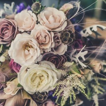 結婚式の費用が見積りより上がる理由。お金に縛られる結婚式ではいけません。